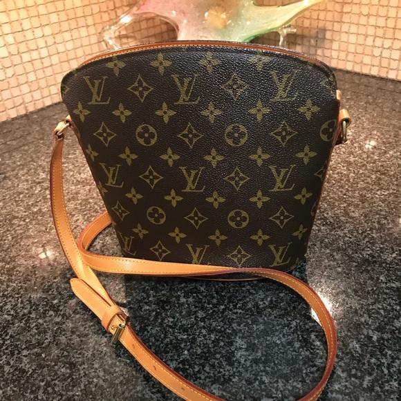 62f119a9242e Louis Vuitton Handbags - Authentic Louis Vuitton Monogram Drouot